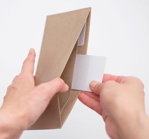 フラット長財布の使用例の写真