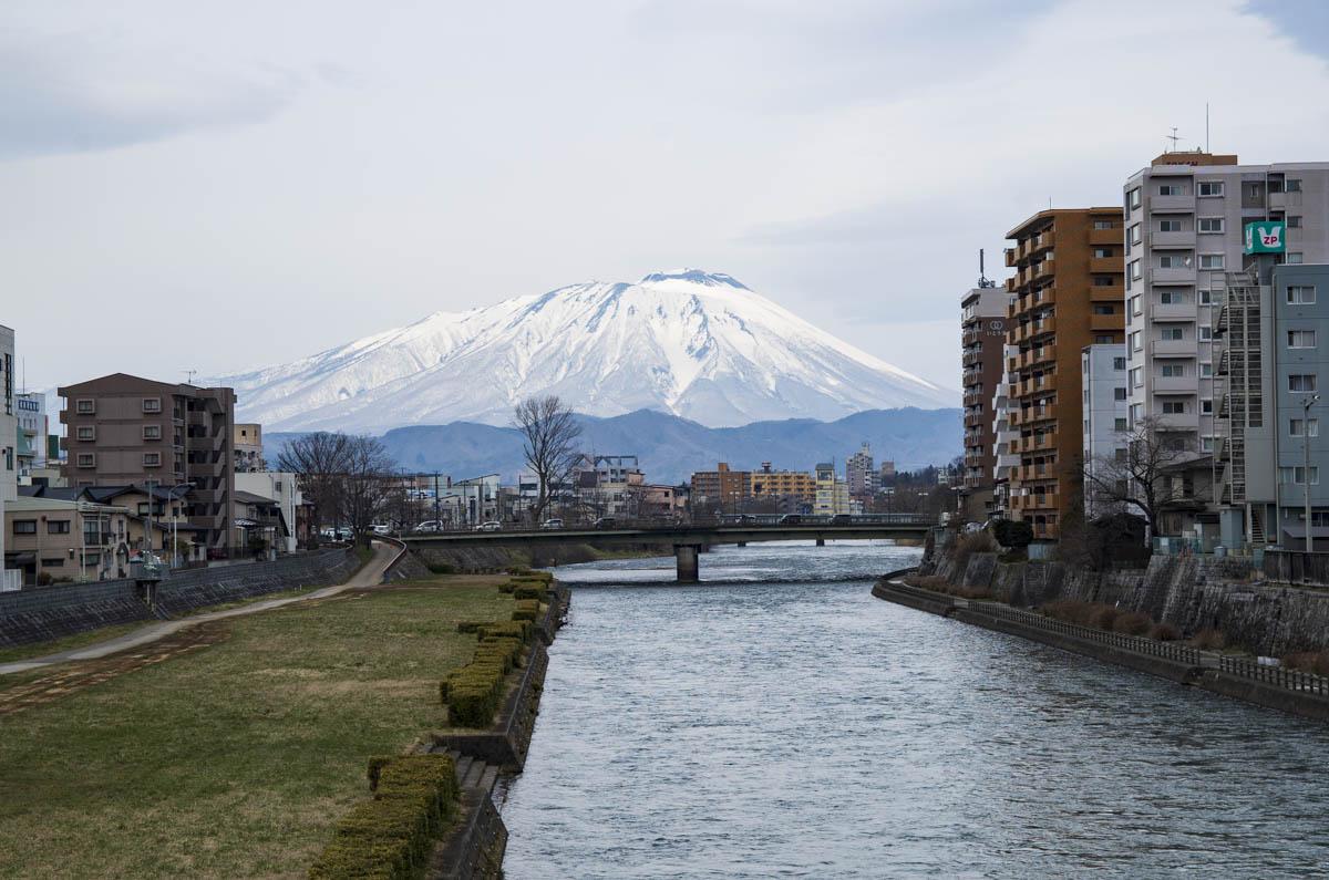 岩手山と北上川の写真