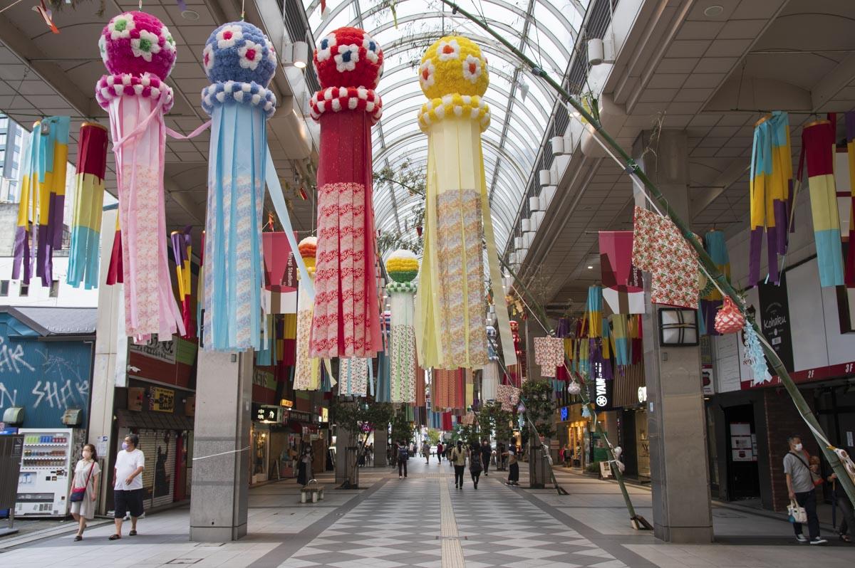 2021年8月 サンモール一番町商店街の七夕飾りの写真